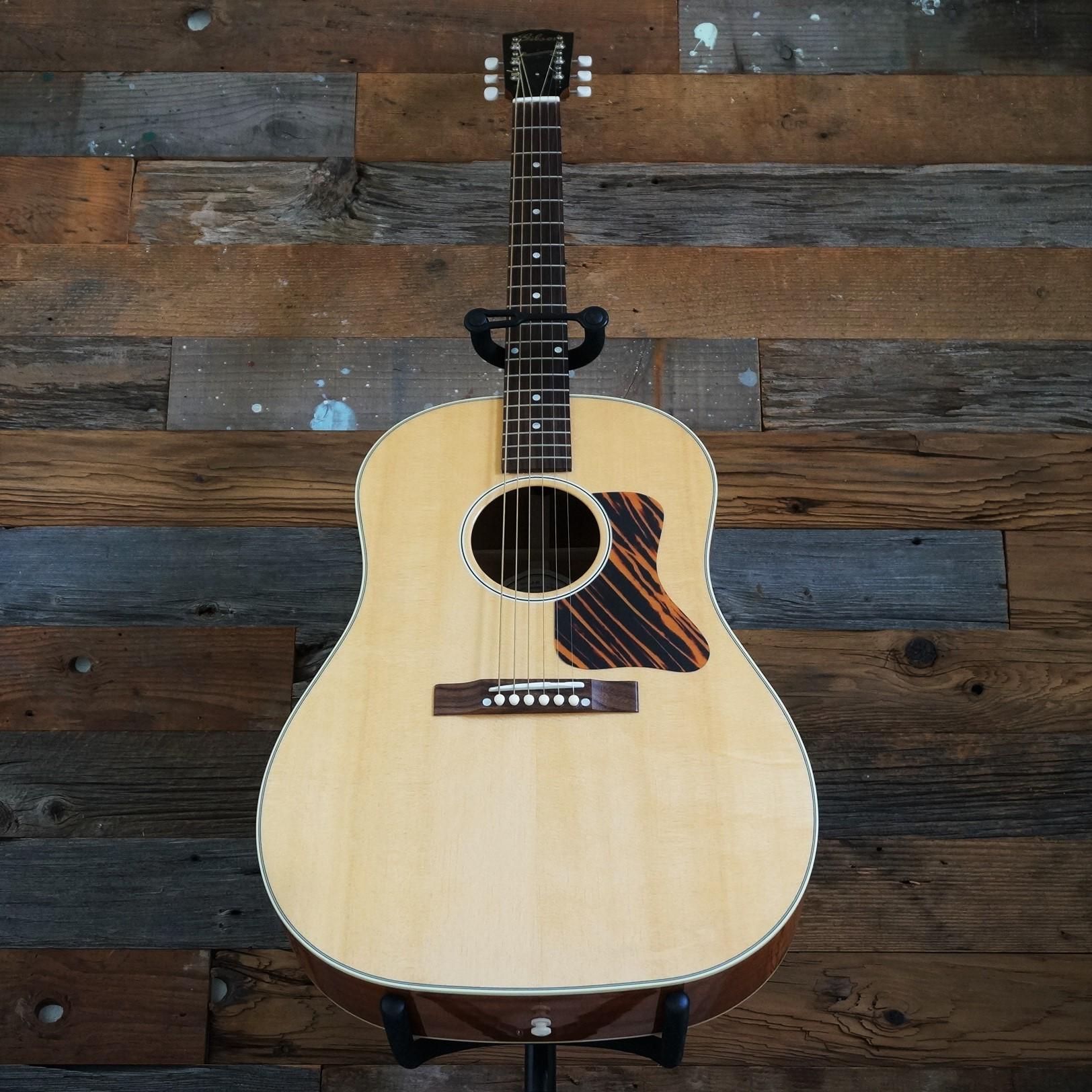 Gibson /  J-35